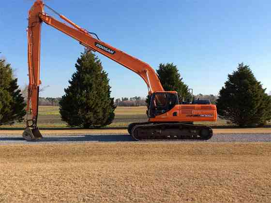 USED 2012 DOOSAN DX300 LC-3 Excavator Danville, Virginia