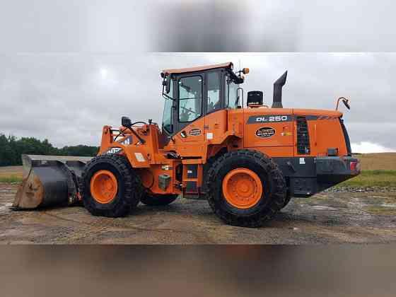 USED 2014 DOOSAN DL250-3 Wheel Loader Danville, Virginia