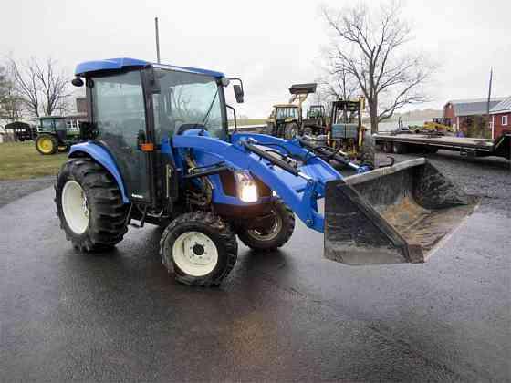 USED 2007 NEW HOLLAND TC45DA Tractor Harrisonburg