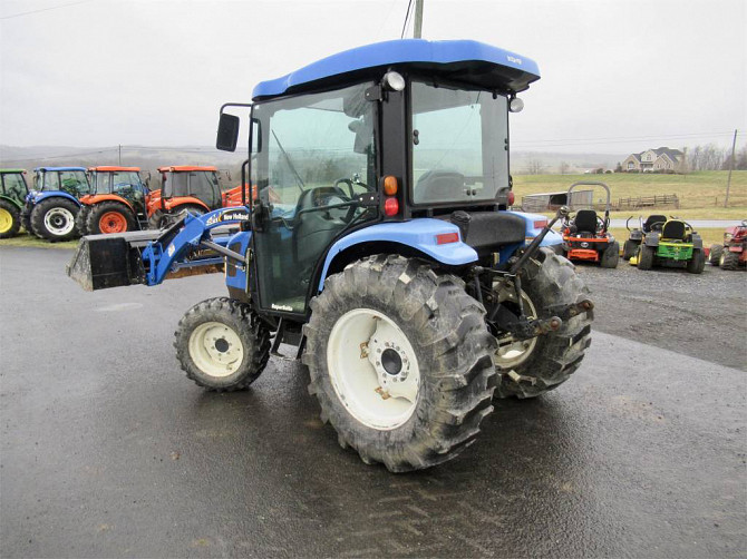 USED 2007 NEW HOLLAND TC45DA Tractor Harrisonburg - photo 2