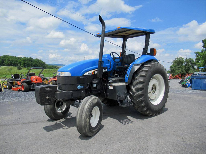 USED 2004 NEW HOLLAND TB100 Tractor Harrisonburg - photo 2