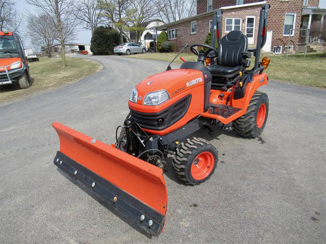 USED 2015 KUBOTA BX2370 Tractor Harrisonburg - photo 1